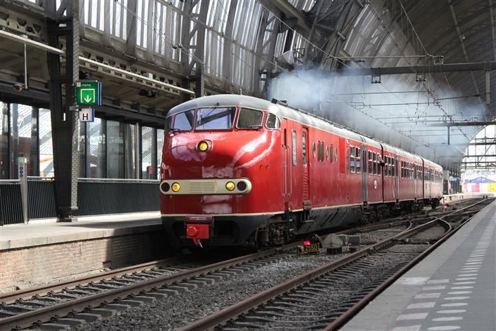 In de loop van 2014 vinden enkele speciale ritten met museummaterieel plaats. Zo rijdt Plan U 115 van de stichting DE3 voor Excursieweb.nl op 5 april 2014 onder andere naar het Spoorwegmuseum en de SHM in Hoorn. De excursietrein bij vertrek uit Amsterdam Centraal.