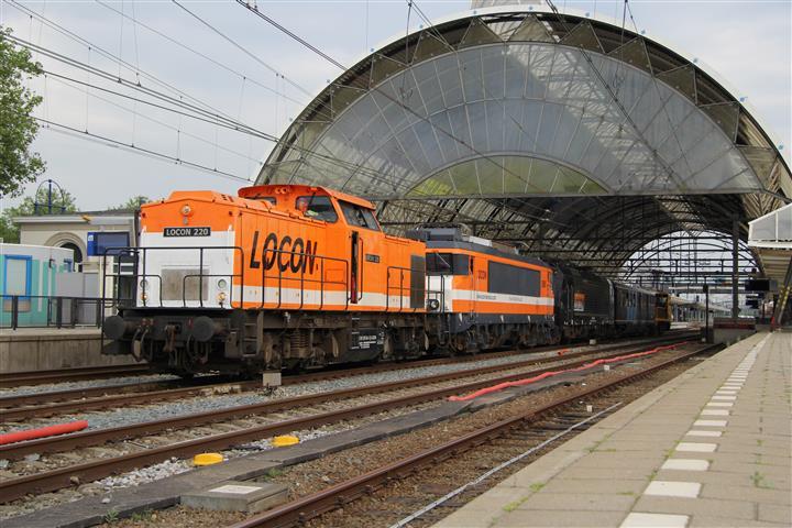 Op 7 juni 2014 is in Zwolle een publieksdag ter gelegenheid van het feit dat de stad 150 jaar per spoor bereikbaar is. Op deze dag is ook een kleine materieelshow met onder andere enkele locomotieven van Locon en materieel van de Stichting Historisch Dieselmaterieel. Locon-loc 9908 krijgt die dag bovendien officiëel de naam 'Zwolle'. Op de foto vertrekt het materieel van Locon en de SHD uit Zwolle naar de thuisbasis in Amersfoort.